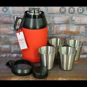 Hunter for Target Thermos and 4 cups- like new